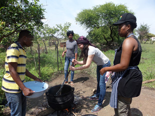 Cooking food with fire_2013.jpg
