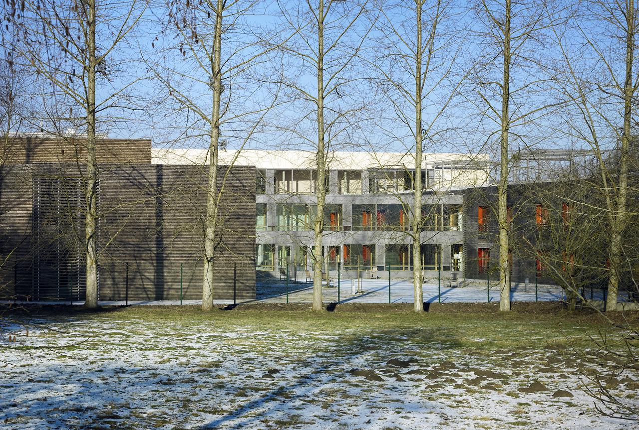 Integriertes Altenwohn- + Pflegeheim