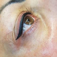 Övre eyeliner med vinge_3500_- inkl ett
