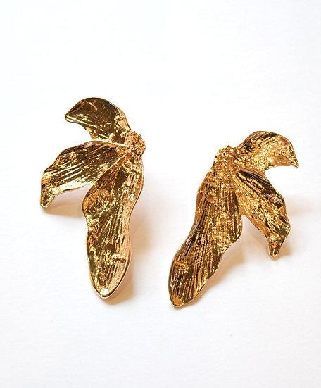 Aretes Dorados 3 Pétalos