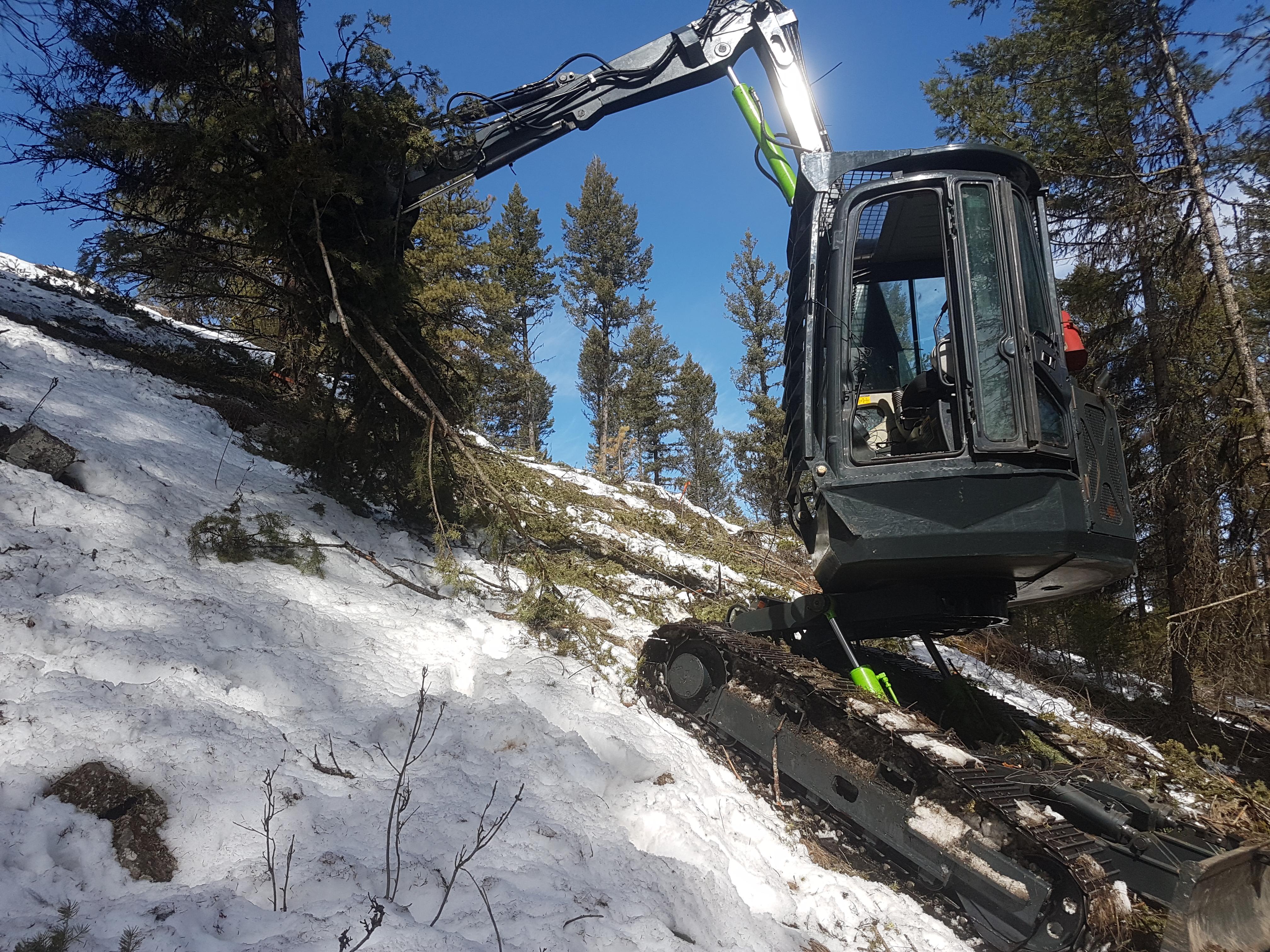 Tilting excavator kamloops