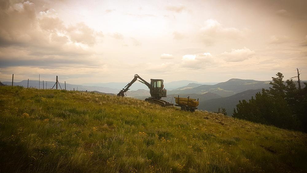 Kamloops fencing tilting excavator