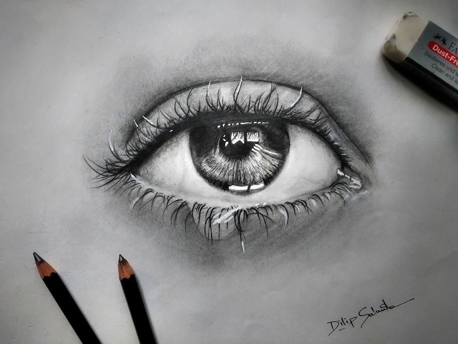 Realistic eye.