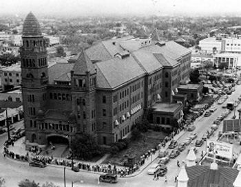 bexar-courthouse-1950-800_0.jpg