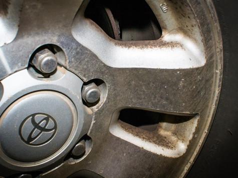 Aluminum wheel dirty
