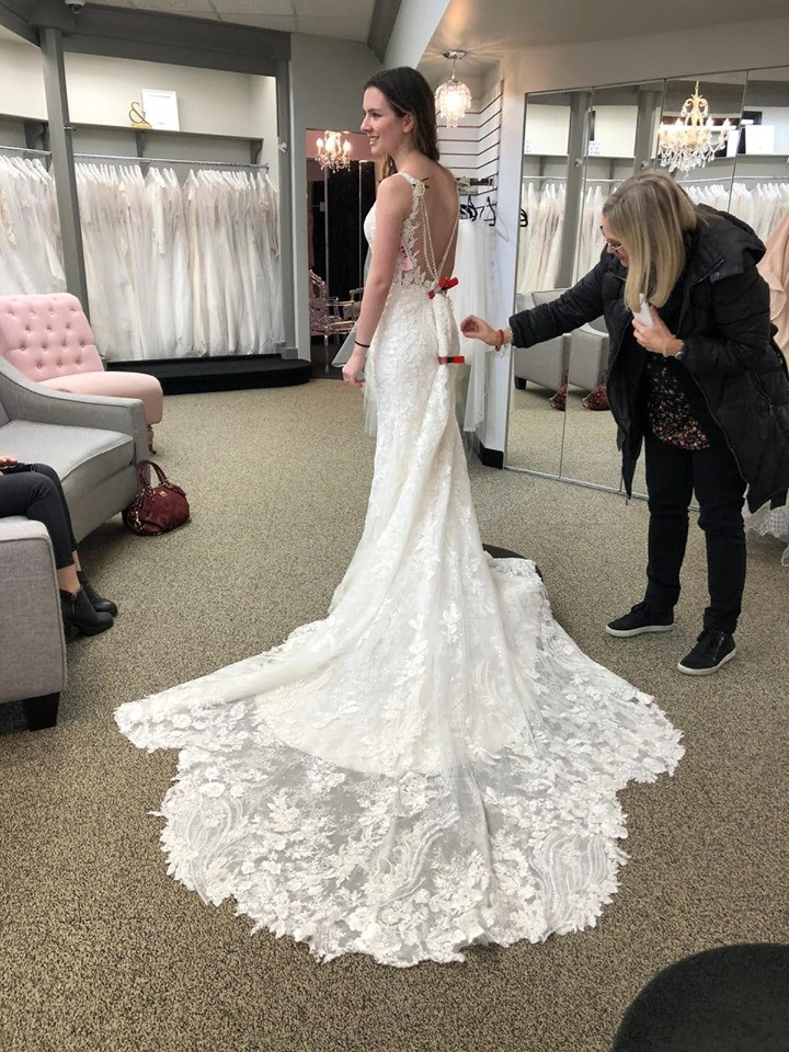 wedding dress, the bridal gallery, champagne and lace, champagne and lace bridal, Abbottsford bridal, Abbottsford wedding, wedding dress shopping, How to plan a wedding, How long does it take to plan a wedding