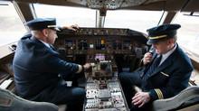 United Airlines tentará recrutar mais de 10,000 pilotos na próxima decada.