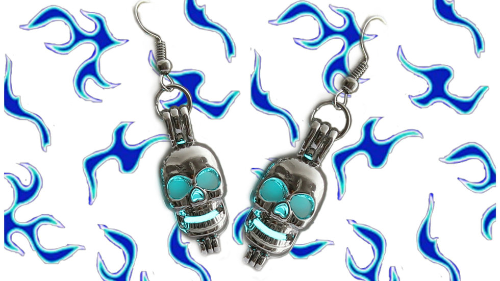 MYSTIC SKULL EARRINGS