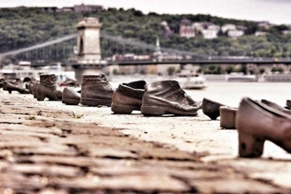 Memorial to Hungarian Jews along the banks of the Danube River, Budapest