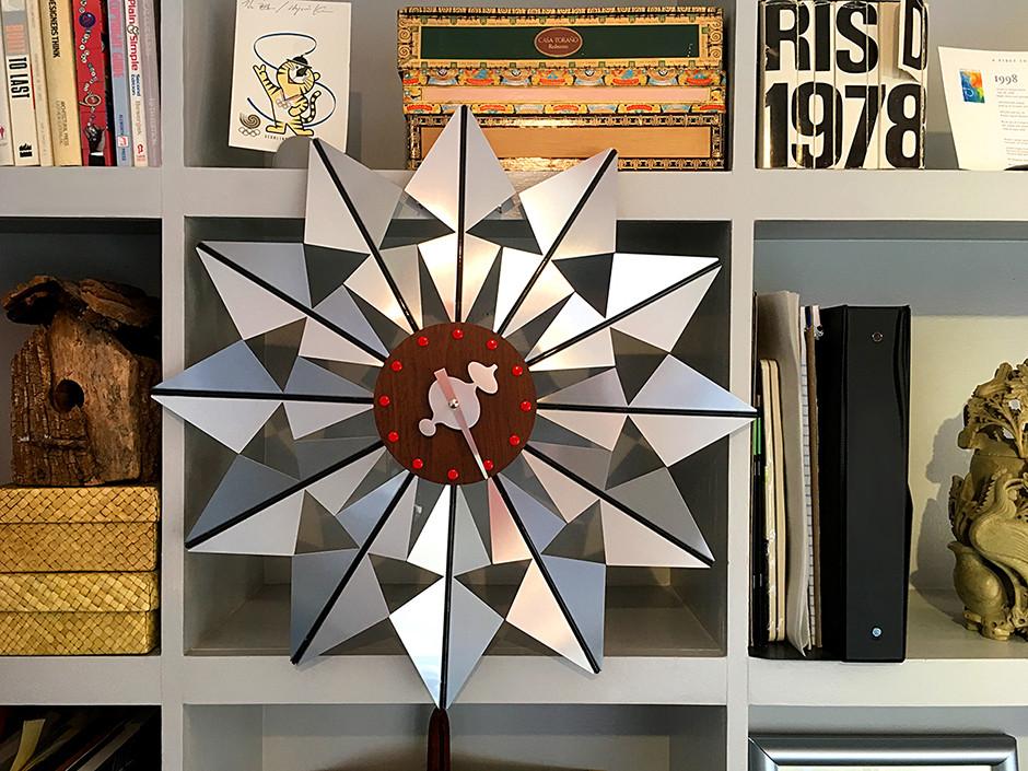 Contemporary clock