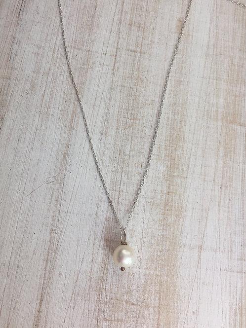 FridaRuby White Freshwater Pearl Pendant