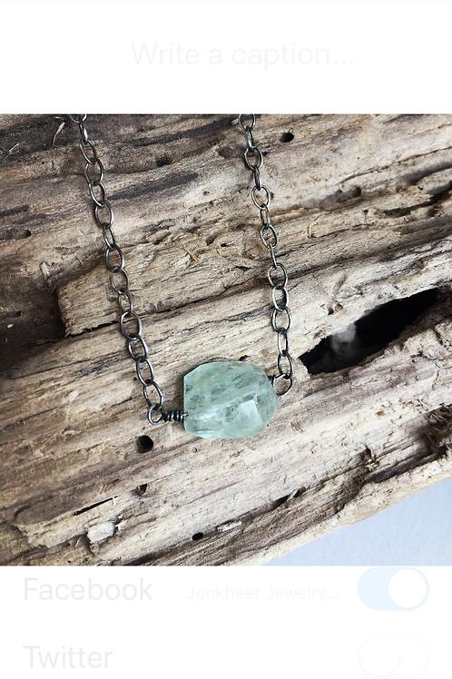 Aquamarine bead pendant