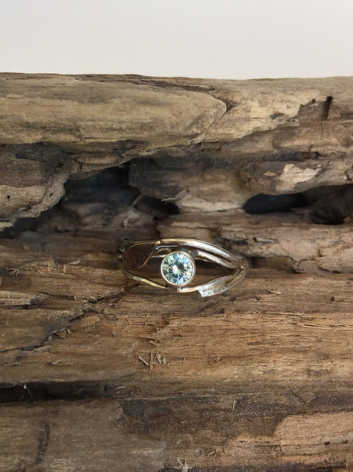 Organic wire ring in Sterling with Aquamarine and gold leaf