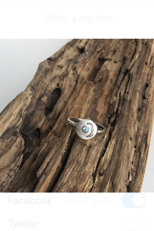 """""""MooN disc"""" ring with Crescent Moon and Aquamarine"""