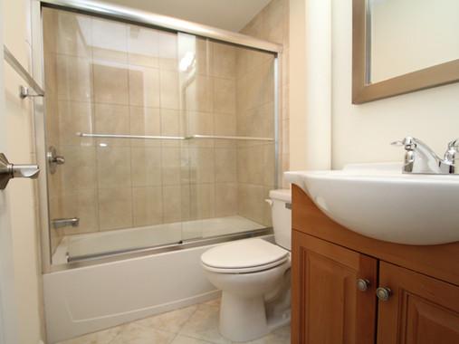 143 #13 bathroom.jpg