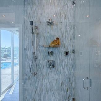 Lunada Bay glass tile shower installatio