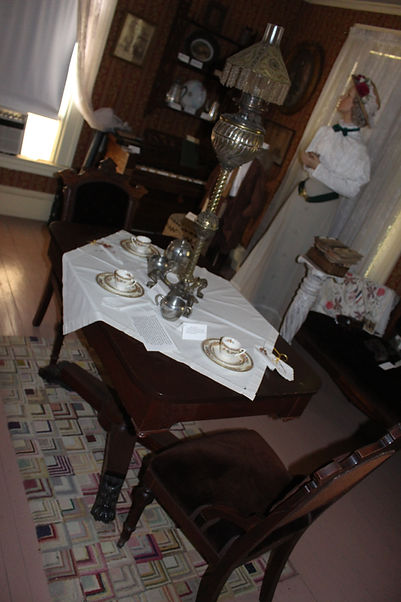 Dinning Table with fancy lamp