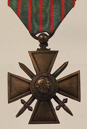 Croix-De-Guerre-Francis-Browne.jpg