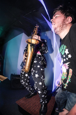 will wood tapeworms saxophone