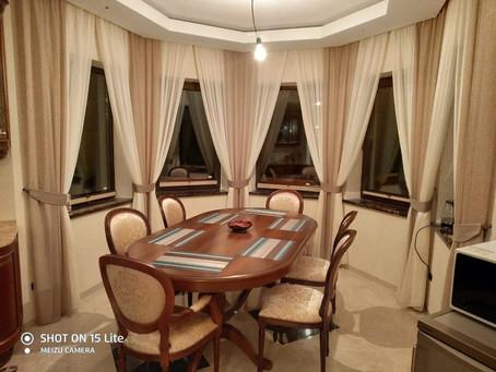 Оформление столовой зоны и гостиной