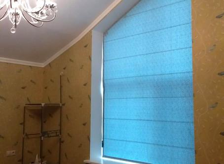 Римская штора на косое окно