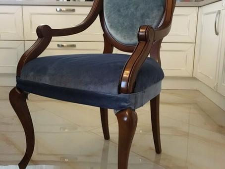 Не оставим итальянские стулья