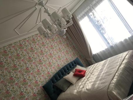 Спальный комплект: ажур и цветы