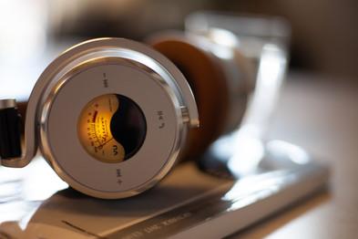 Meters 主動降噪藍牙耳機復古VU發光表