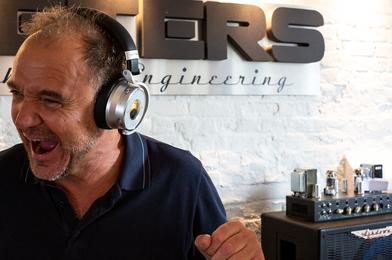 Meters 主動降噪藍牙耳機絕美音質,音樂饗宴