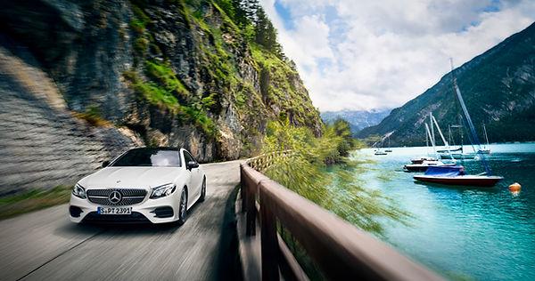 Automobilfotografie Jan Schneider. weißer Mercedes. Fotografenmeister werden in Kiel. Photo+Medienforum Kiel