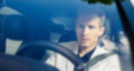 Werbefotgrafie Jan Schneider. Mann am Steuer. Mercedes. Fotografenmeister werden in Kiel. Photo+Medienforum Kiel