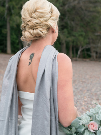 Back of bride highlighting hair (1 of 1).JPG