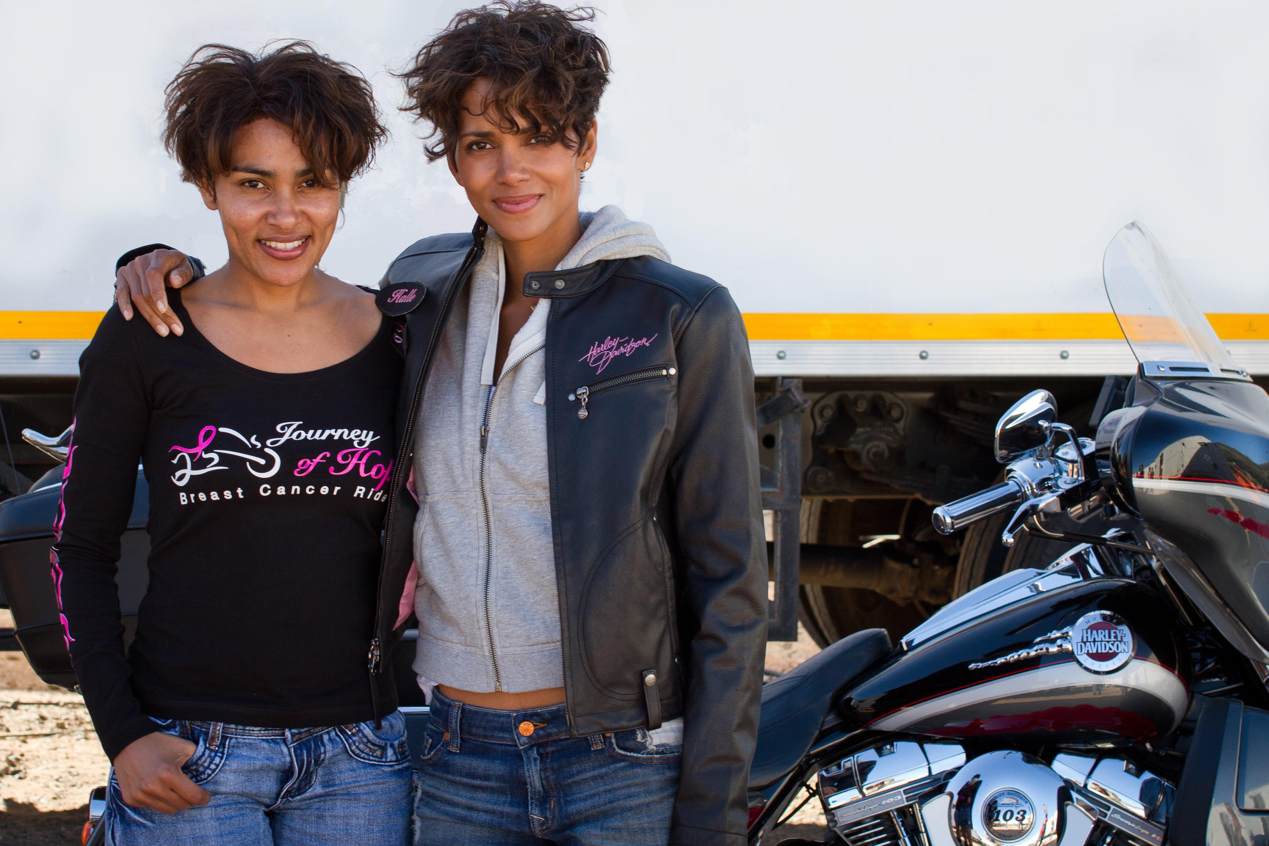 Halle Berry & Elisa Fernandes