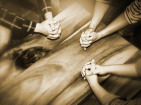 3people_prayer-2.jpg