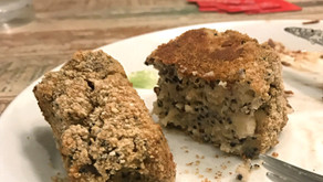 Golden Semolina Cakes