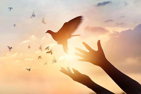 woman-praying-free-bird.jpg