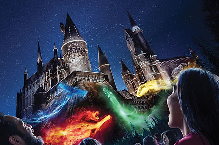 The-Nighttime-Lights-at-Hogwarts-Castle-
