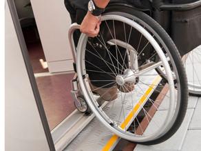 Assembleia aprova projeto que garante vacinação domiciliar às pessoas com deficiência no CE
