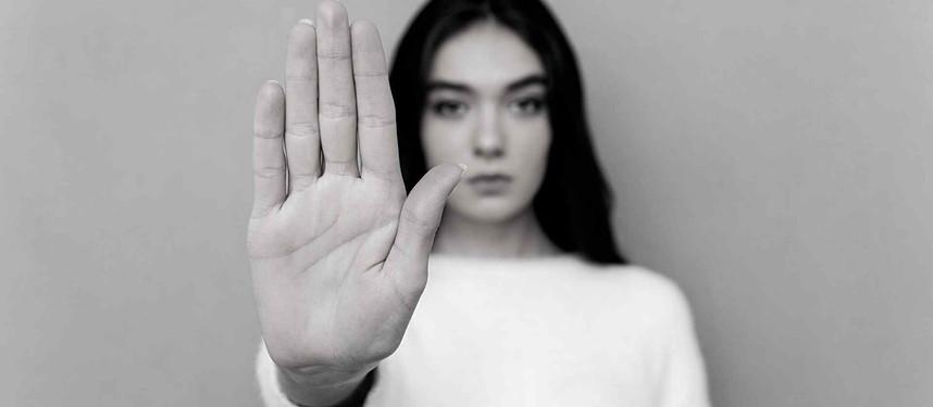 Ações de proteção à mulher no Brasil ainda são insuficientes, aponta relatório