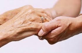 EPHAD: Premières expériences dans un établissement d'hébergement pour personnes âgées dépendantes