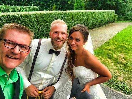 Hochzeit-Zauberer-Empfang-draussen
