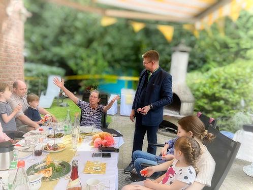Unterhaltung für wenig Leute und die kleine Gruppe: Zauberer Marc Dibowski