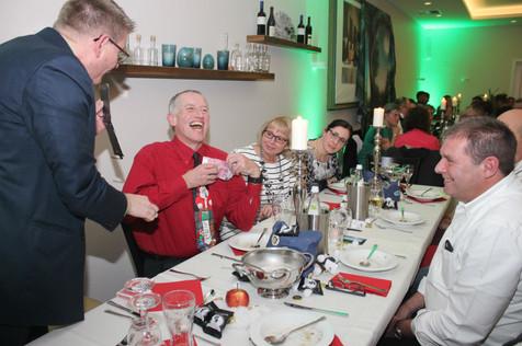 Zauberer-Weihnachtsfeier-Betriebsfest-Dibowski