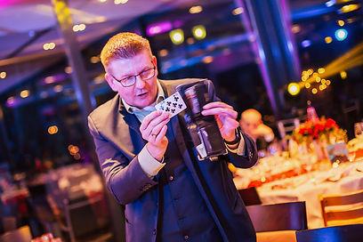 Zauberkünstler buchen Profi Marc Dibowski Zauberer NRW