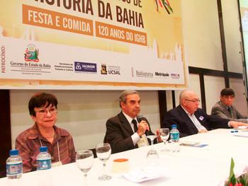 VI Congresso reúne mais de 200 participantes para debater festa e comida