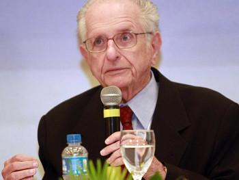 Nota de Pesar pelo falecimento do presidente de honra do IGHB, doutor Roberto Santos
