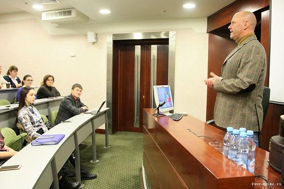Алексей Кортнев провел мастер-класс для будущих ораторов