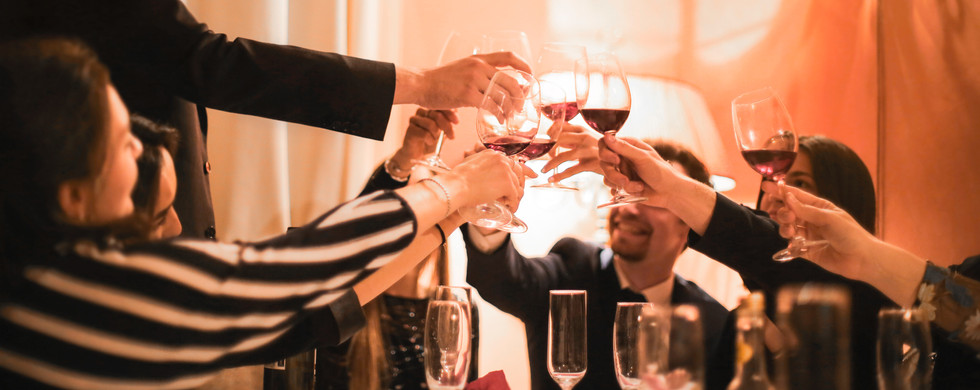 alcoholic-beverages-beverage-celebration