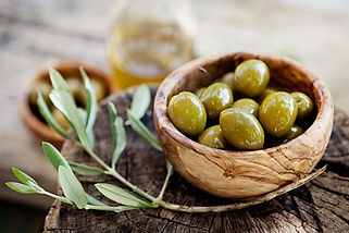 Gold Medal Green Verdale Table Olives