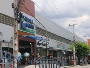 Funcionamento do centro de compras Fábrica da Moda em Caruaru durante o carnaval